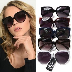 Blue Great pair of sunglasses UVB protective